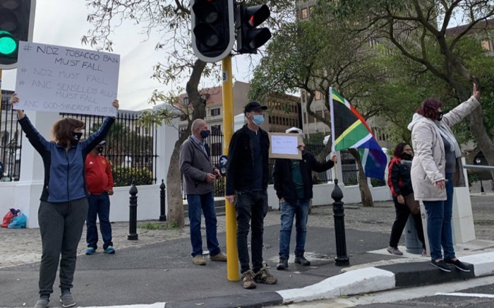 Cape Town smokers on 13 June 2020 gathered once again at the gates of Parliament to protest against the ban on cigarette sales under level 3 of the national coronavirus lockdown. Picture: Kaylynn Palm/EWN.