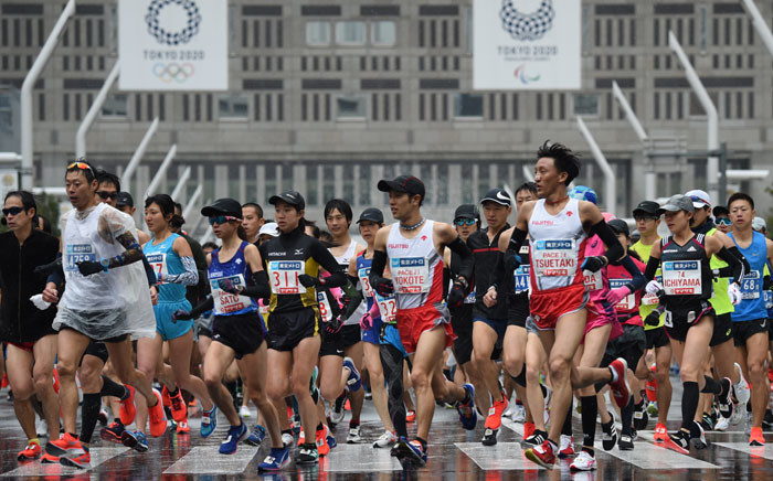 FILE: Runners start the Tokyo Marathon in front of the Tokyo Government Office building in Tokyo, Japan on 3 March 2019. Picture: AFP
