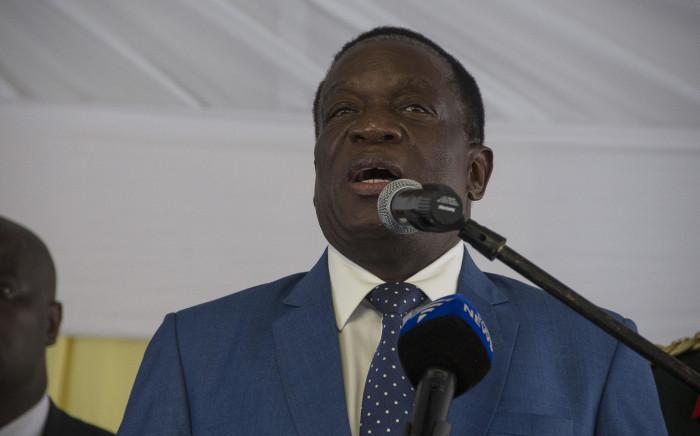 FILE: Zimbabwean President Emmerson Mnangagwa is seen addressing a large crowd at the Zimbabwean Embassy in Pretoria. Picture: Ihsaan Haffejee/EWN