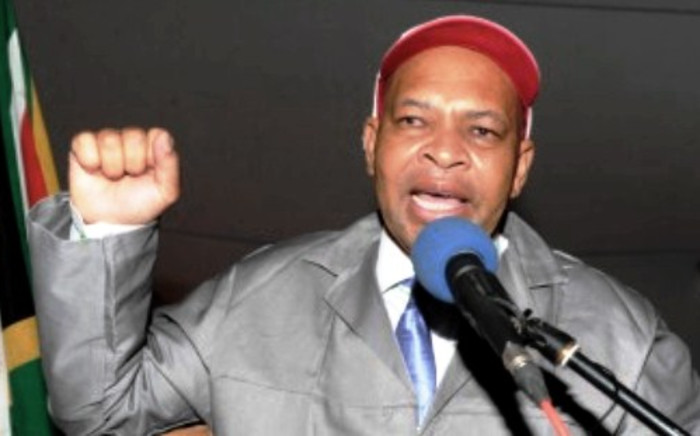 FILE: Limpopo Premier Stanley Mathabatha addresses community members of Makurung in GaMphahlele on the significance of celebrating the lives and times of struggle icon Mr Nelson Mandela. Picture: limpopo.gov.za