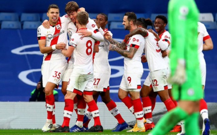 Southampton players celebrate during the English Premier League football match between Chelsea and the Saints at Stamford Bridge in London on 17 October 2020. Picture: @SouthamptonFC/Twitter