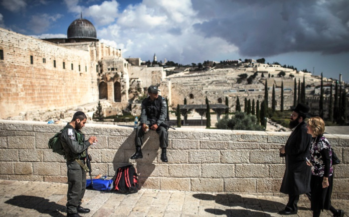 Israeli police officers stand guard at the entrance to the Western Wall and the Al-Aqsa compound, the third most holiest site in Islam, in Jerusalem's Old City, Israel, 30 October 2014. Picture:EPA/OLIVER WEIKEN.