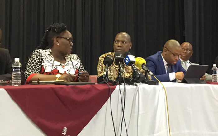Health Minister Zweli Mkhize, along with KwaZulu-Natal government officials, brief the media on the coronavirus situation at Cowan House Preparatory School in Hilton, near Pietermaritzburg on 6 March 2020. Picture: Nkosikhona Duma/EWN