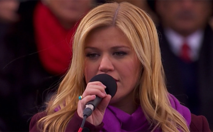 Kelly Clarkson sings for her fans at a concert. Picture: Screengrab/CNN