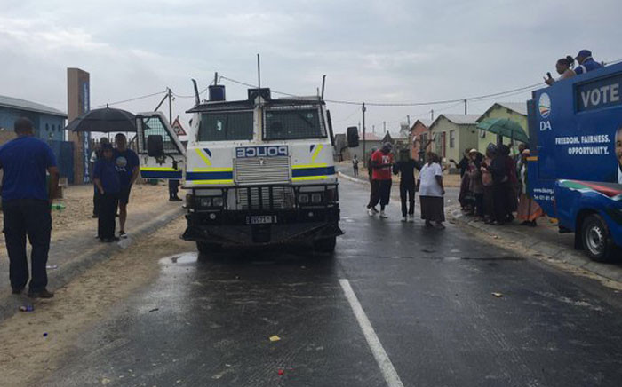 Police were seen around voting stations in Khayelitsha following tensions on 5 March 2016. Picture: Natalie Malgas/EWN.