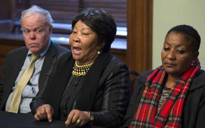 New York attorney Kenneth McCallion (L), defending the Namibian tribes, Ida Hoffmann(C), representative of the Nama tribe and a member of Parliament in Namibia, and Ester Muiinjangue, also from the Nama tribe speak during a news conference 16 March 2017 in New York. Picture: AFP