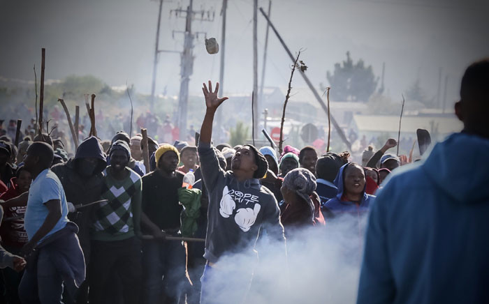 FILE: Grabouw residents protest on 10 May 2016 after shacks were demolished in the area. Picture: Thomas Holder/EWN.