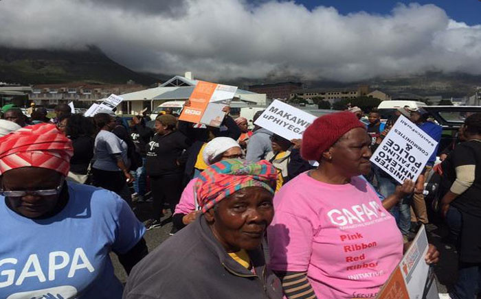 The protest is against the police ministry's apparent failure to implement recommendations by the Khayelitsha Commission of Inquiry a year ago. Picture: Siyabonga Sesant/EWN.