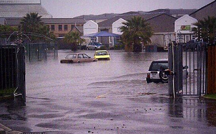 Roads flooded due to heavy rains in Cape Town on 28 August 2013. Picture: iWitness