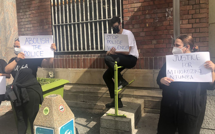 A small group of students picketed in front of the Cape Town Central Police Station on 11 March 2021 in solidarity with the protesting Wits University students. Picture: Graig-Lee Smith/Eyewitness News