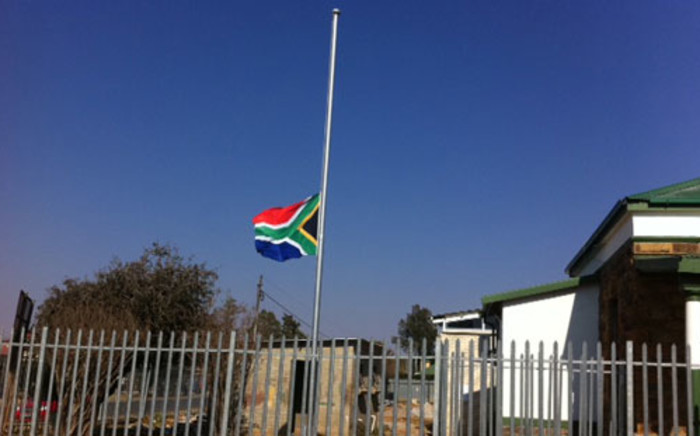 The South African flag flies at half-mast in honour of those who lost their lives in the Marikana shooting. Picture: Rahima Essop/EWN.