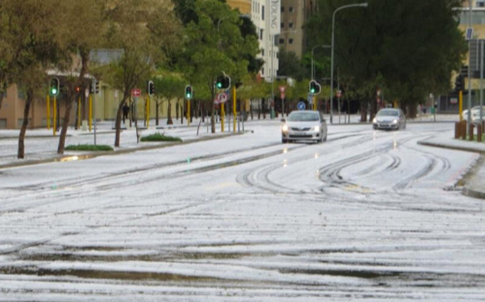 Heavy rainfall, strong gale force winds and hail storms hit Cape Town over the weekend. Picture: @Itslynnykansas via Twitter