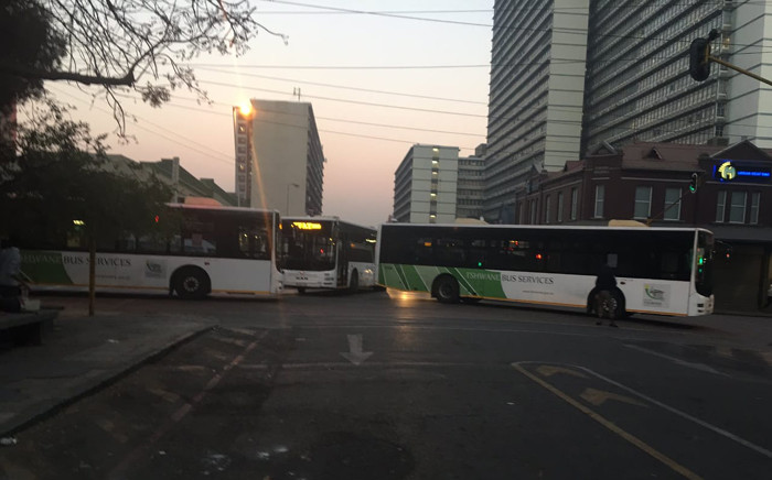 The Pretoria CBD was gridlocked on 29 July 2019 with stationary buses blocking several roads. It's understood the disruption was caused by a bus driver strike. Picture: @JabuMoroko/Twitter.