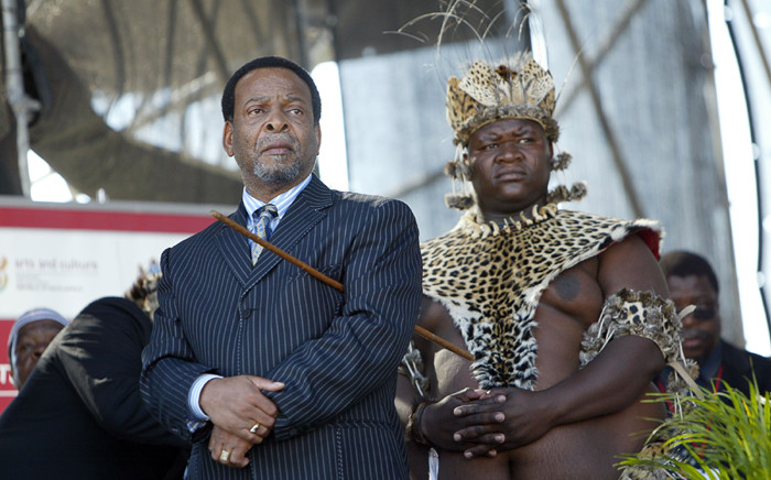King Zwelithini Goodwill KaBekuzulu (L) in 2006. Picture: AFP.
