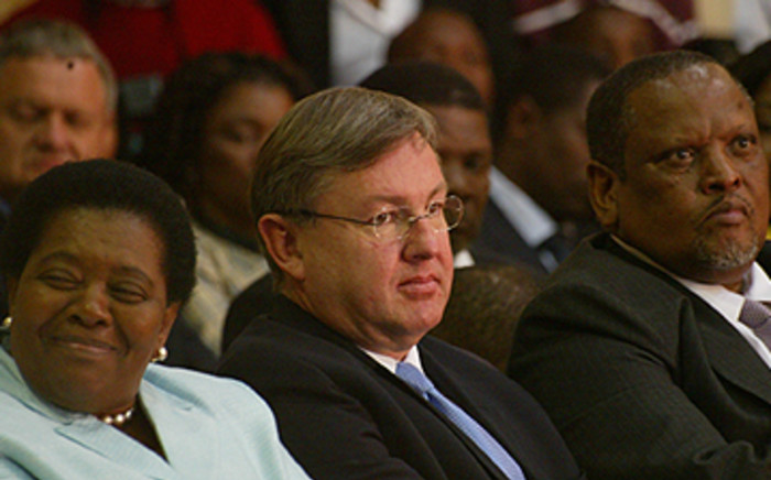 FILE IMAGE: Marthinus van Schalkwyk (centre) was left out of President Zuma's executive after serving two terms as minister.