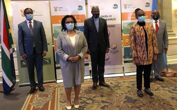 From L-R: Dr Owen Kaluwa WHO Representative to SA, Nardos B Thomas UN Resident Co-ordinator, Health Minister Dr Zweli Mkhize, Dr Matshidiso Moeti WHO Regional Director for Africa, and Deputy Health Minister Dr Joe Phaahla. Picture: @DrZweliMkhize/Twitter.