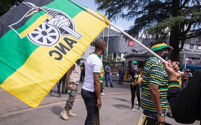 ANC protest outside eNCA offices in Hyde Park on Tuesday, 2 March 2021. Picture: Boikhutso Ntsoko/Eyewitness News.