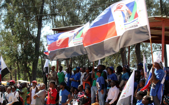 FILE: Supporters of presidential candidate of the Mozambique National Resistance (Renamo), a former rebel group-turned-opposition party, Ossufo Momade (unseen), attend an election campaign rally on 10 September 2019 in Marracuene, Maputo Province. Picture: AFP
