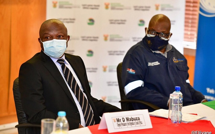 Deputy President David Mabuza (L) and Gauteng Premier David Makhura (R) visited the  Sebokeng Waste Water Treatment Facility on 23 March 2021. Picture: @DDMabuza/Twitter.