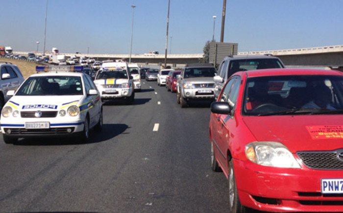 Cosatu's drive-slow against e-tolls on Joburg's east rand on Friday 31 May 2013. Picture: Christa van der Walt/EWN