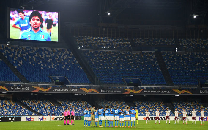 Players pay tribute to Diego Maradona at the Stadio San Paolo in Naples. Picture: @EuropaLeague/Twitter