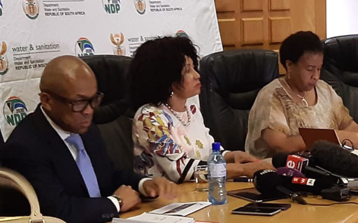 Minister of Water and Sanitation Lindiwe Sisulu (centre) briefs the media on Gauteng's water crisis on 28 October 2019 in Johannesburg. Picture: @DWS_RSA/Twitter
