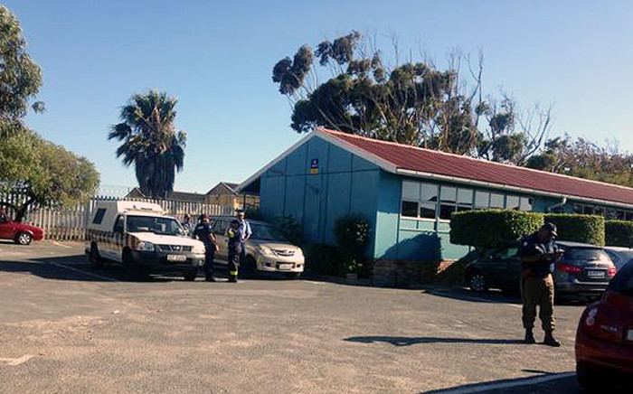 There is a heavy police presence at Sonderend Primary School in Manenberg on 27 January 2015. Picture: Shamiela Fisher/EWN.