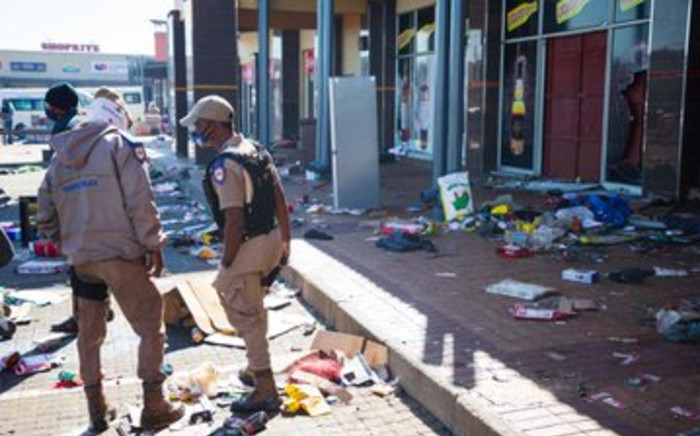 Gauteng Premier David Makhura visited Chris Hani Crossing and Meadwolands in Soweto during recent violent protests in parts of Gauteng. Picture: Twitter/@GautengProvince