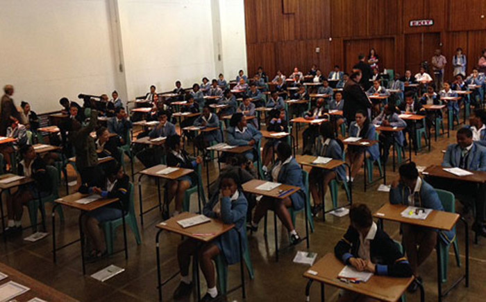 SADAG has noticed a spike in calls to its helpline from matric pupils. Picture: Carmel Loggenberg/EWN.