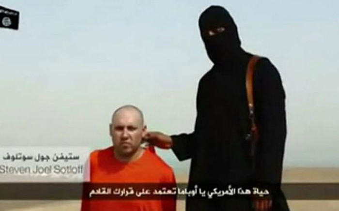 A video purporting to show the beheading of US reporter Steven Sotloff by Islamic State group. Picture: Twitter.