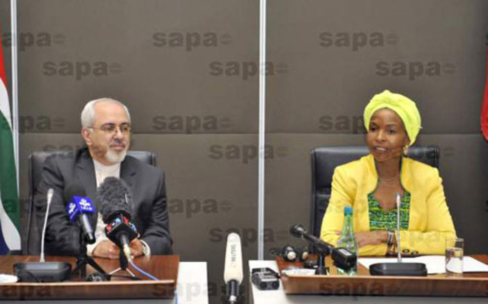 FILE: Iran Foreign Minister Mohammad Javad Zarif (L) with International Relations and Cooperation Minister Maite Nkoana-Mashabane (R). Picture: SAPA.