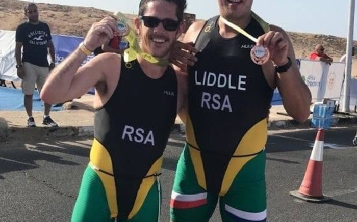 South Africa's para-athlete Tim Stones, his sighted friend and guide Andrew Liddle won a bronze medal at the 2021 Africa Triathlon Championships in Sharm El Sheikh, Egypt. Picture: Tim Stones/Facebook