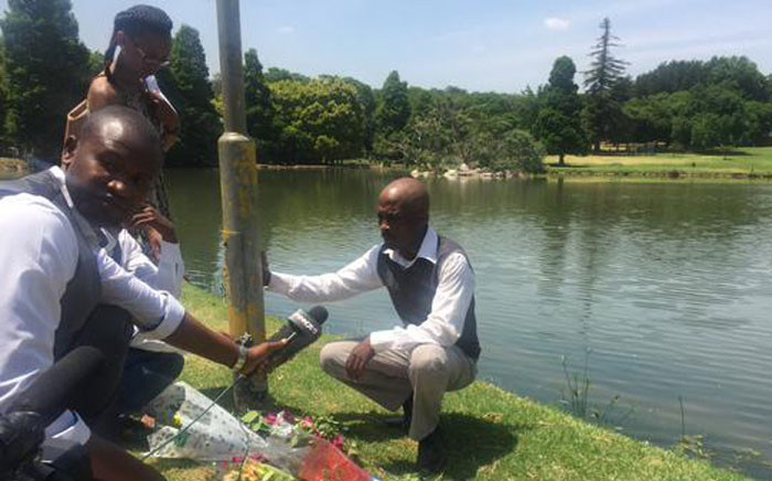 FILE. Sibongile Kela, uncle of Zukisa Kela who was drowned in the Rhodes Park attack on Saturday, at the scene of the crime. Picture: Govan Whittles/EWN.