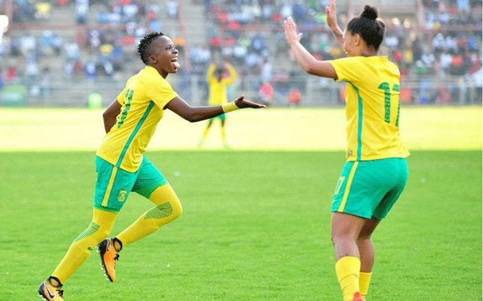 FILE: Banyana Banyana's Thembi Kgatlana (L) and Leandra Smeda (R) celebrate after winning the Cosafa Women's Championship against Zimababwe at the Barbourfields Stadium, on 24 September 2017. Picture: safa.net