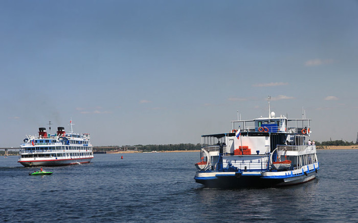 Cruise boats seen on the Volga River. Picture: Aleksander Kaasik/Wikimedia Commons