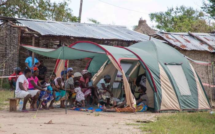A small tent has been set up as a clinic Estaquinha, west of Beira, for victims of Cyclone Idai. Picture: Christa Eybers/EWN.