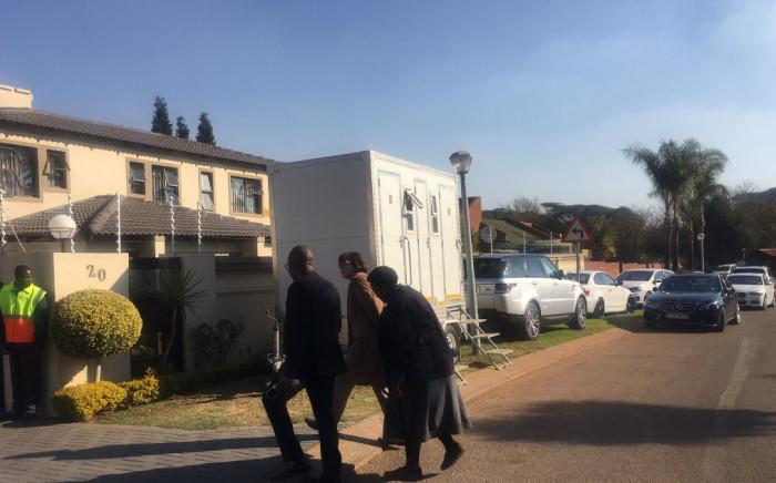Gauteng Finance MEC Barbara Creecy arriving at the home of Ronnie Mamoepa on 24 July 2017. Picture: Masa Kekana/EWN