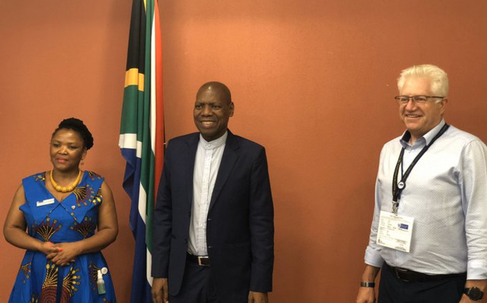 Minister Zweli Mkhize met with Western Cape Premier Alan Winde and health MEC Nomafrench Mbombo, on Friday 03 April 2020, to discuss the pandemic and the province's response to the coronavirus pandemic. Picture: Twitter/@DrZweliMkhize