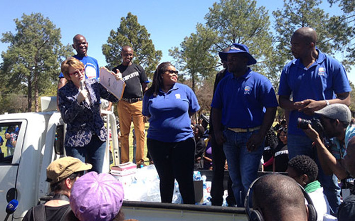 DA leader Helen Zille addresses unemployed young people outside the Union Buildings on 10 September 2012. Picture: Govan Whittles/EWN