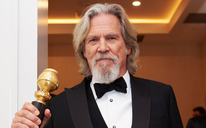 Jeff Bridges with his Golden Globe lifetime achievement award. Picture: @goldenglobes/Twitter