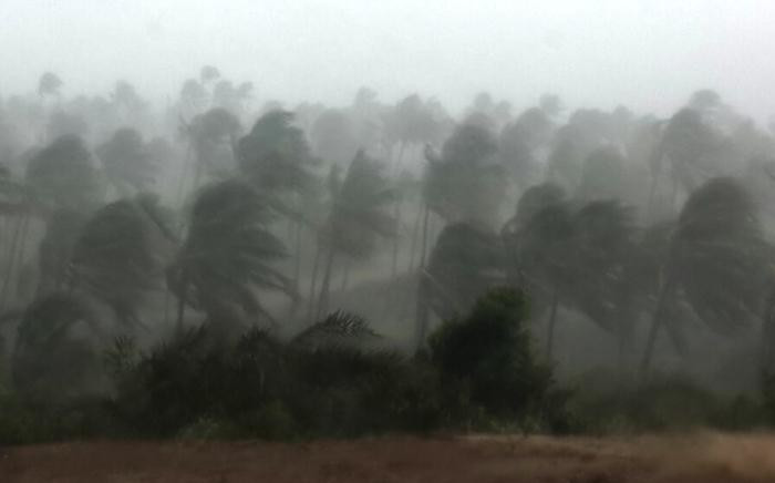 FILE: Strong winds and rain is seen in and around Inhambane, Mozambique as tropical storm Dineo move through the area. Picture: Lee Booysen/Paindane Beach Resort.