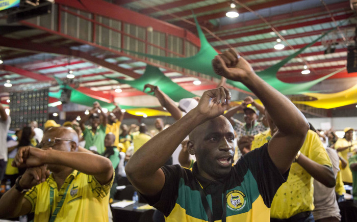 Nkosazana Dlamini Zuma supporters sing and dance ahead of the announcement of the ANC's new top 6 on 18 December 2017. Picture: Thomas Holder/EWN