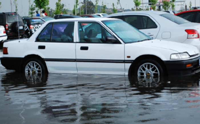 Flooding in the Maponya Mall car park. Picture: Taurai Maduna/Eyewitness News
