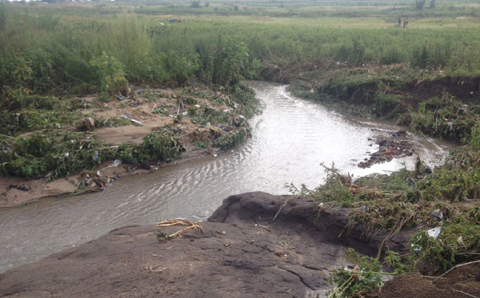 6-year-old Angel Sibanda was last seen trying to cross this stream. Picture: Ziyanda Ngcobo/EWN.
