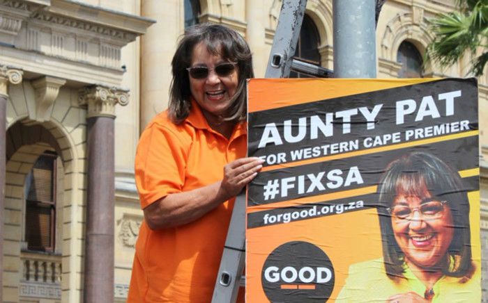 Good party leader Patricia de Lille puts up an election poster in Cape Town. Picture: @ForGoodZA/Twitter