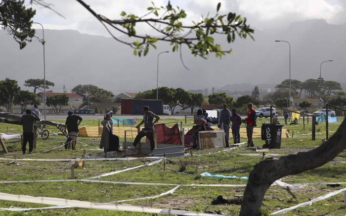 FILE: Residents from Parkwood in Cape Town occupy a piece of land next to the M5 highway. Picture: EWN