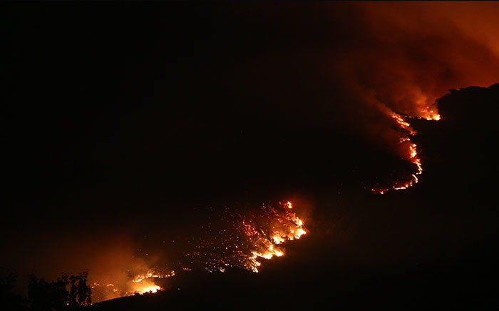 Shots of the Tokai fire taken from the M3 Ladies Mile Bridge on 3 March 2015. Picture: Stephen Phillipson/EWN