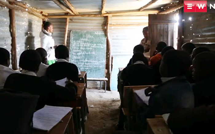 FILE: Some schools in the Eastern Cape operate out of mud houses and tin shacks with little or no furniture and resources. Picture: EWN