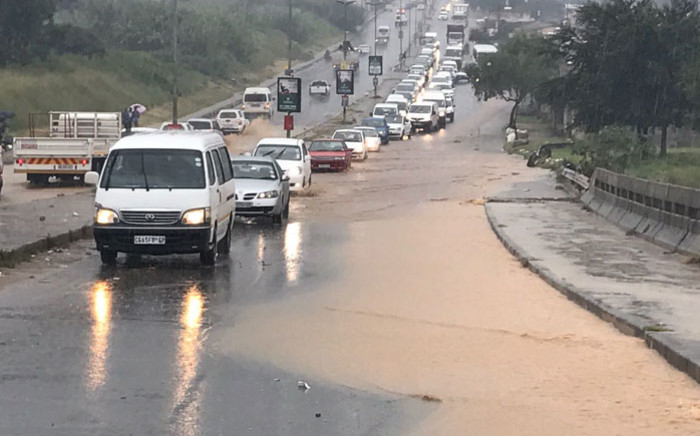 Flooding on London Road in Alexandra. Picture: Kgothatso Mogale/EWN