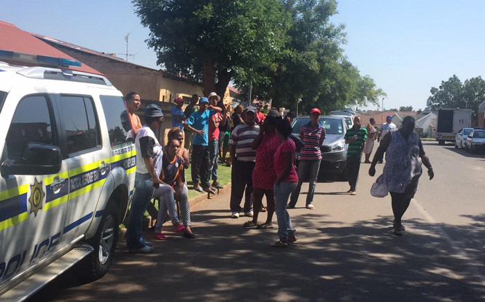 FILE: Police clashed with parents at the Roodepoort Primary School with rubber bullets as they called for the principal at the school to step down on 20 February 2015. Picture: Govan Whittles/EWN
